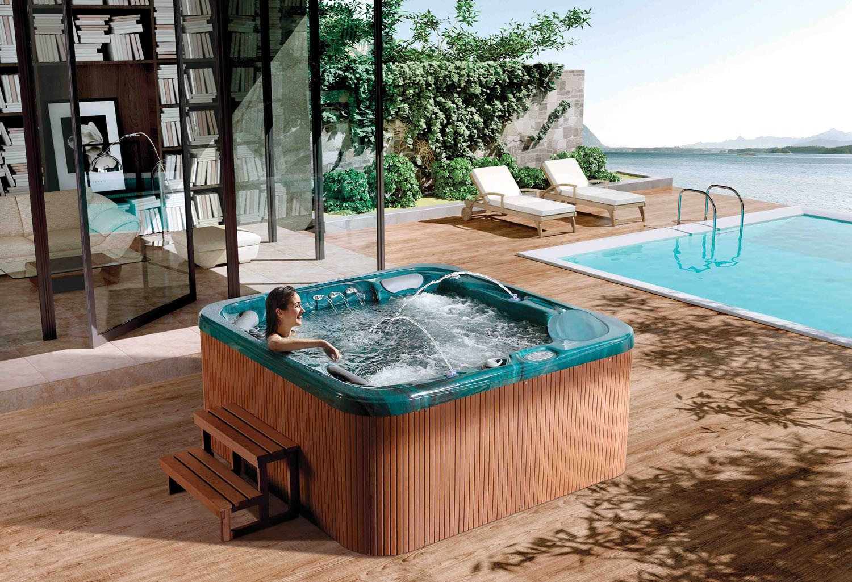 Piscina jacuzzi exterior fabulous spa exterior baera for Jacuzzi exterior pequeno
