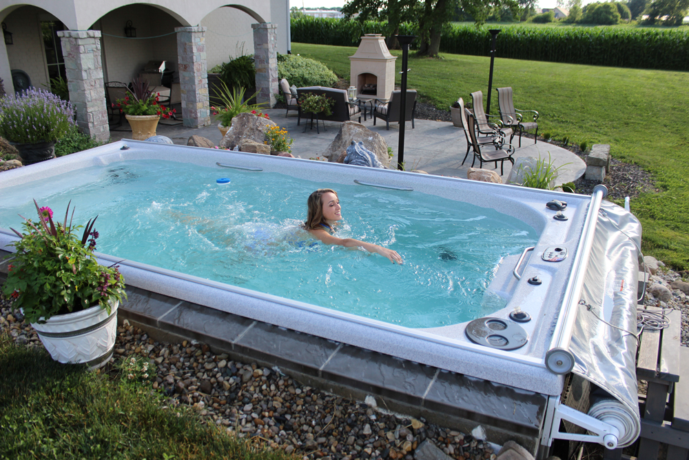 Swim Spa Vs Jacuzzi Exterior 191 Cu 225 L Elegir Blog Del