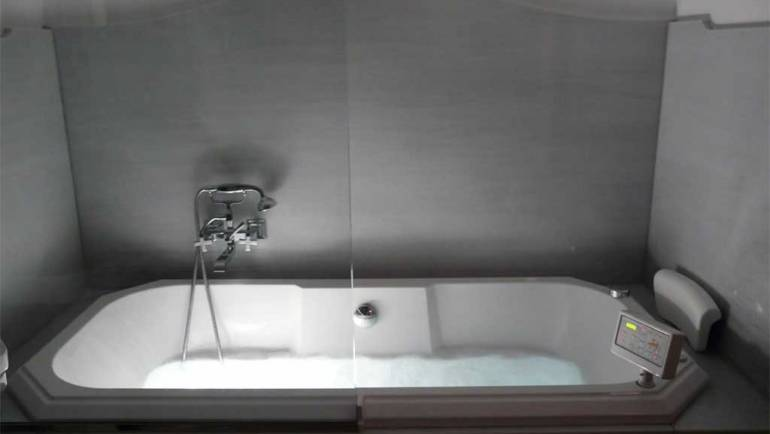 La bañera hidromasaje