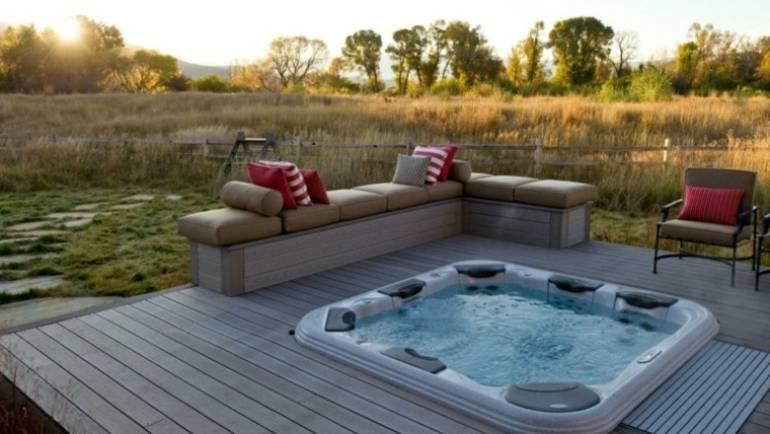 10 razones para tener piscinas con jacuzzi al aire libre