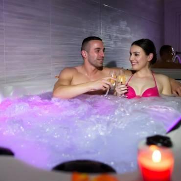 Razones por las que debes tener tu propia bañera jacuzzi