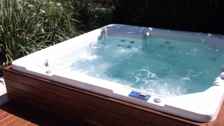 Consejos para cuidar de tu spa jacuzzi exterior